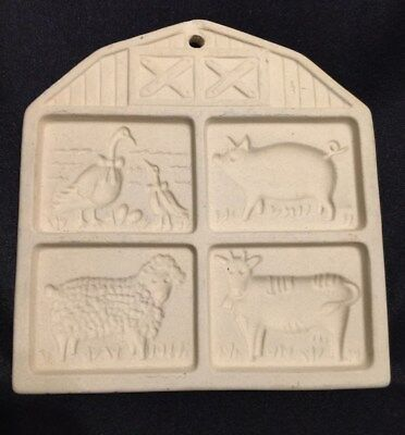 THE PAMPERED CHEF 1994 FARMYARD FRIENDS Stoneware Farm Animals Cookie Mold EUC
