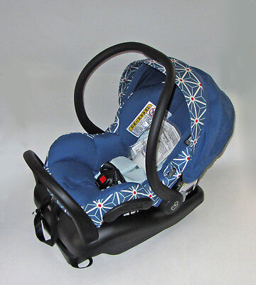 Maxi Cosi Mico Max 30 Infant Car Seat Special Edition Star by E van Vliet w Base