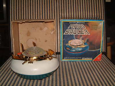 """Vintage, """"flying Saucer"""" By Yonezawa. Battery Operated, Fully Working, W/box!!"""