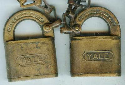 Vintage Antique UNUSUAL YALE LOCK PADLOCK W/ CHAIN NO KEY FOR DISPLAY COLLECTION
