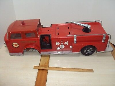Vintage 1960's A.M.F WEN-MAC TEXACO FIRE CHIEF PRESSED STEEL TRUCK 25""