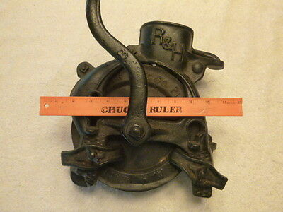 ANTIQUE CAST IRON Corn Sheller Made By THE ROOT HEATH R & H CO Of PLYMOUTH, OHIO