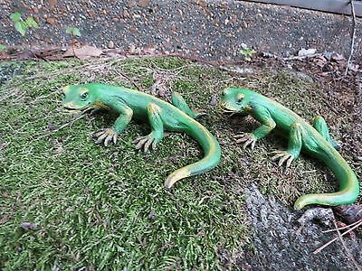 VINTAGE CHAMELEON LOOKS hand carved  & REAL Sculpture Reptile GREEN