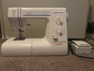 Janome  New Home School Mate  S-3015 Sewing Machine with Foot Pedal Power Cord