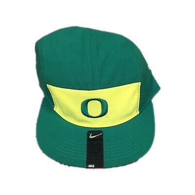 huge discount 72d73 4cb41 NWT New Oregon Ducks Nike New Day AW84 Adjustable Hat Cap