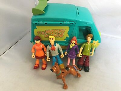 SCOOBY-DOO - MYSTERY MACHINE VAN WITH Action FIGURES Clean Complete set