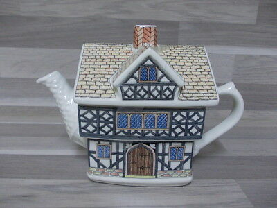 Nice Tea pot English Country Houses Sadler Staffordshire England Tudor House