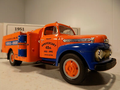 First gear 1951 Ford F 600 Gulf Oil Co Tanker Truck & Oil Drum NOS MIB # 18-1764