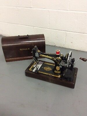 Vintage 1930's Singer Sewing Machine, Retro, Collectable, Hand, Wooden Hard Case
