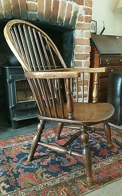 ANTIQUE WINDSOR CHAIR . ARMCHAIR 1800s. BY FREDERICK WALKER