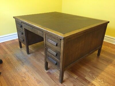 Antique 1940s Lincoln Desk Quarter-sawn Oak Partners Desk 60 x 48 Arts & Crafts