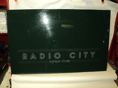 radio city avenue store sign