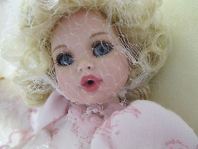 NEW Marie Osmond MINT Tiny Tots All Toiled Up Doll w Necklace Pearls Parasol COA