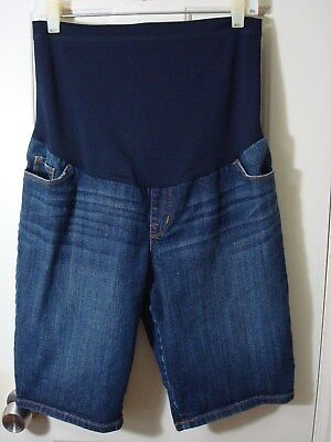 A27 Liz Lange Maternity Shorts M Solid Blue Denim Bermuda Style Belly Panel