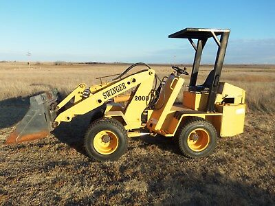 Swinger 2000 articulated wheel loader with bucket