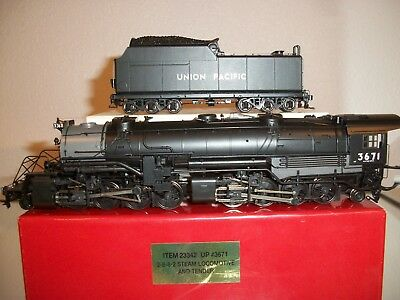 Union Pacific 2-8-8-2 UP #3671 Proto Steam Locomotive and Tender