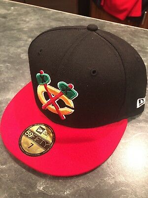 Chicago Blackhawks 59FIFTY New Era Fitted Hat Cap Size 7 —NHL— fly your own 82b28c1d5ce