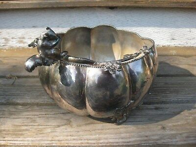 Nice VICTORIAN FIGURAL NUT BOWL SILVERPLATE FOOTED SERVER SQUIRREL BRANCH
