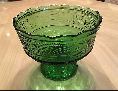 Vintage Green Glass Candy or Fruit Dish, E.O. Brody CO. M6000. very nice!