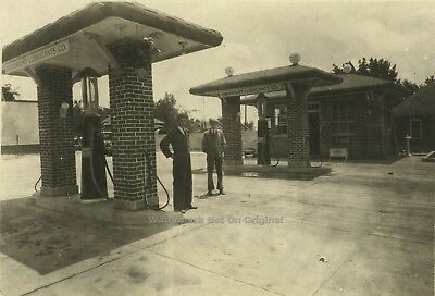 * Original Photo 1926 Paramount Lubricating Oil Gas Station New Haven CT - Coke