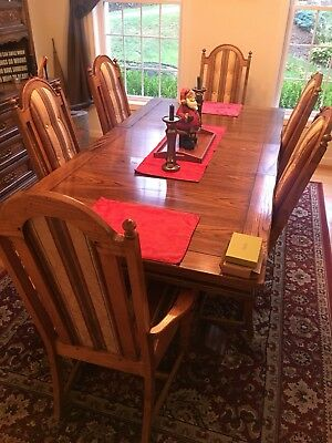 Antique SOLID OAK Detailed DINING ROOM SET 6 Chairs Hutch With Lighting Table