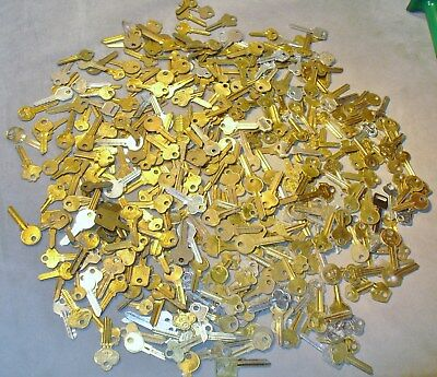 Large Lot of 7+ Lbs of Un-Cut Key Blanks-Curtis-Ilco-Taylor-House-Car-Locks