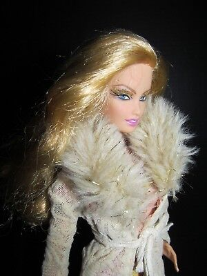 GOLDEN 50th Anniversary Model Muse Barbie Lara Side Glance Head Fur Coat Gold