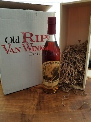 2017 Rip Van Winkle Pappy 15 year Old Bourbon Whiskey Bottle