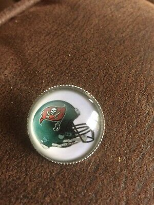TAMPA BAY BUCANEERS American Football NFL Unique Stunning Raised Pin Badge