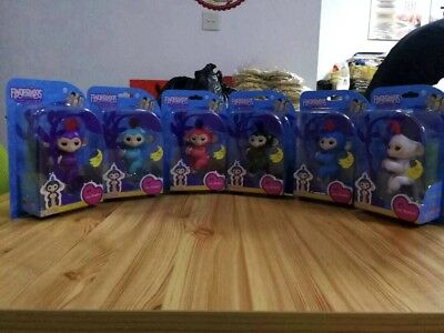 WowWee Fingerlings Mia Interactive Baby Monkey-AUTHENTIC