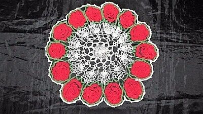 """VTG 40's 11"""" WHITE W RED ROSES HAND CROCHETED COTTON CHRISTMAS DOILY CRAFT SEW"""