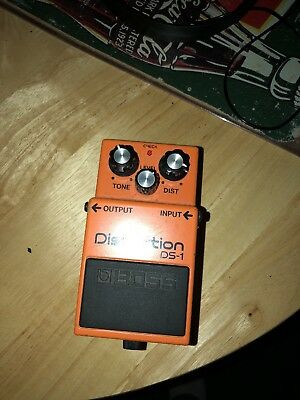 Boss DS-1 Distortion Guitar Effect Pedal