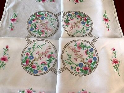 VINTAGE HAND EMBROIDERED OFF WHITE  CREAM LINEN Floral TABLE CLOTH 49X49 Inches