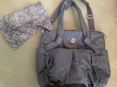 New Rare Lululemon Triumph Large Tote/Gym/Diaper Bag Magnum Nesting Bird Gray