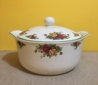 Beautiful ROYAL ALBERT 'Old Country Roses' Very Large Casserole Veg Lidded Dish