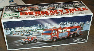 Hess Gasoline '05 Emergency Truck with Rescue Vehicle