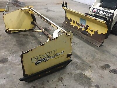 Snow Wolf Ultra 72 Skid Steer Loader Snow Plow with Pusher FastTach Box Kage