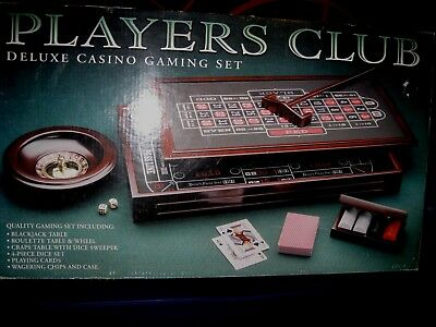 PLAYERS CLUB Deluxe Casino Gaming Set BEAUTIFUL WOOD Blackjack CRAPS Roulette