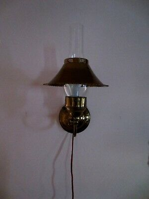Vintage Industrial Light-Tilting Wall Lamp Hammered Brass Metal Deco Sconce