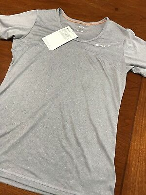 Women's 2XU Movement Tech Tee, moisture wicking Size Small