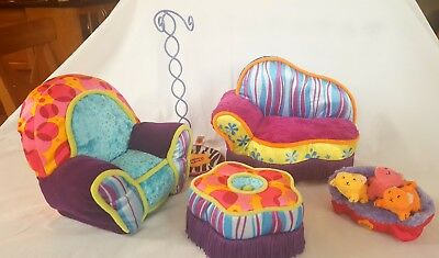 Groovy Girls Furniture, doll stand, kittens