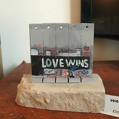 BANKSY - Wall Section   Souvenir Walled Off Hotel   LOVE WINS incl. Receipt