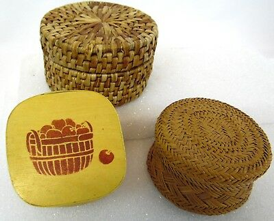 Vintage Lot o 3 Woven & Apple Painted Bark Hand Made Trinket Jewelry Stash Boxes