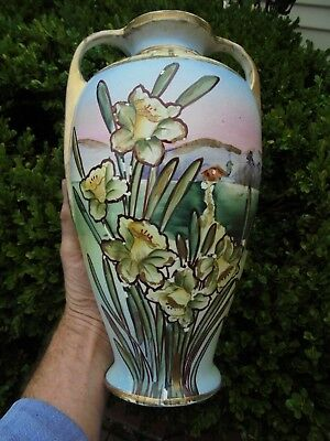 LARGE ANTIQUE MANTLE VASE WITH DAFFODILS MADE IN JAPAN c1920