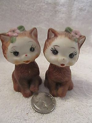 Adorable Vintage Porcelain Kitty/cat Salt And Pepper Shakers
