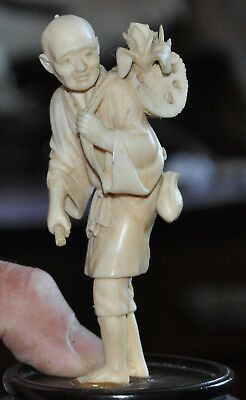 Old Vintage Fine Chinese Oriental Hand Carved Figure of Man with Flowers