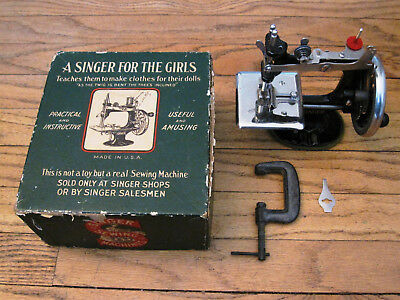 Vintage/antique Singer Sewing Machine For The Girls~ Original Box ~ Circa 1920's
