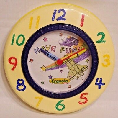 VTG98 Binney&Smith Crayola USA Rocket Space UFO Star Rainbow Have Fun Wall Clock