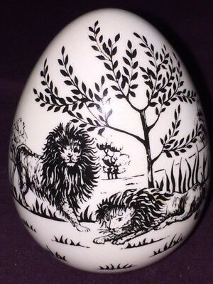"Crown Staffordshire Lion Egg 3"".-B30"