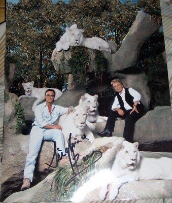 Siegfried and Roy Hand Signed 8x10 Rare Color Vintage Photo With White Lions